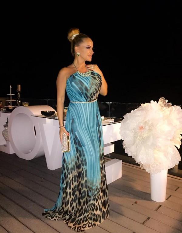 Frumoasa Anda Adam intr-o rochie fabuloasa Bella Sposa