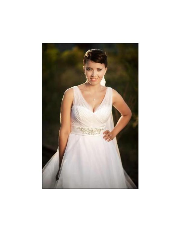 Alexandra si rochia de mireasa 11228 de la Ellis Bridals