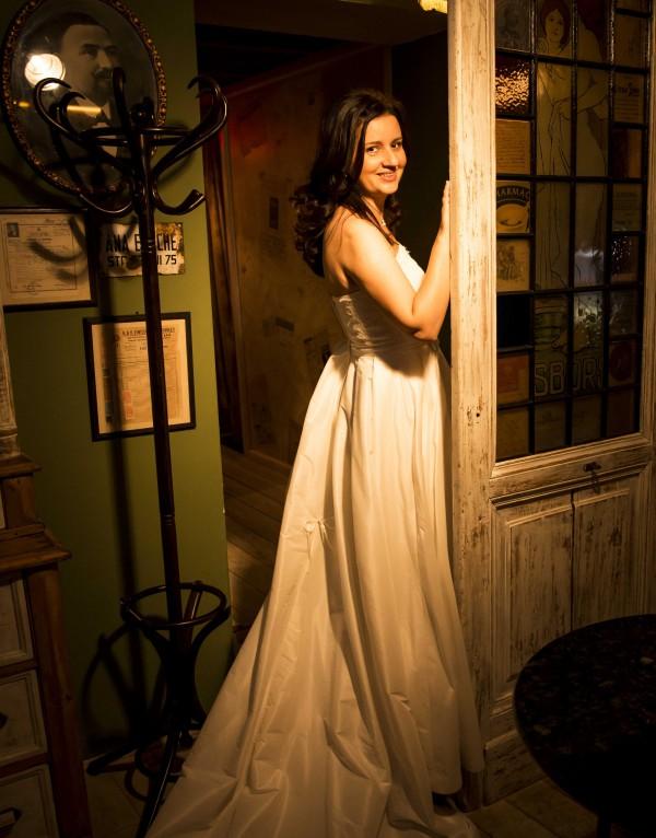 Alina si rochia de mireasa 4598 de la Aspera