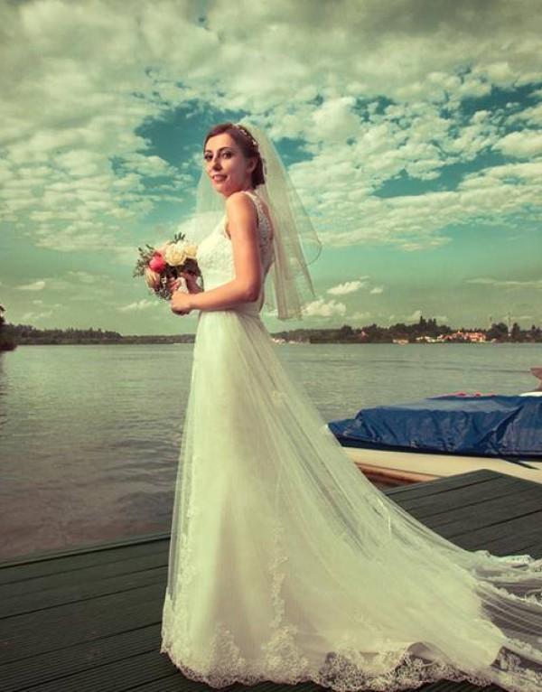 Alexandra si rochia 5204 de la Fara Sposa