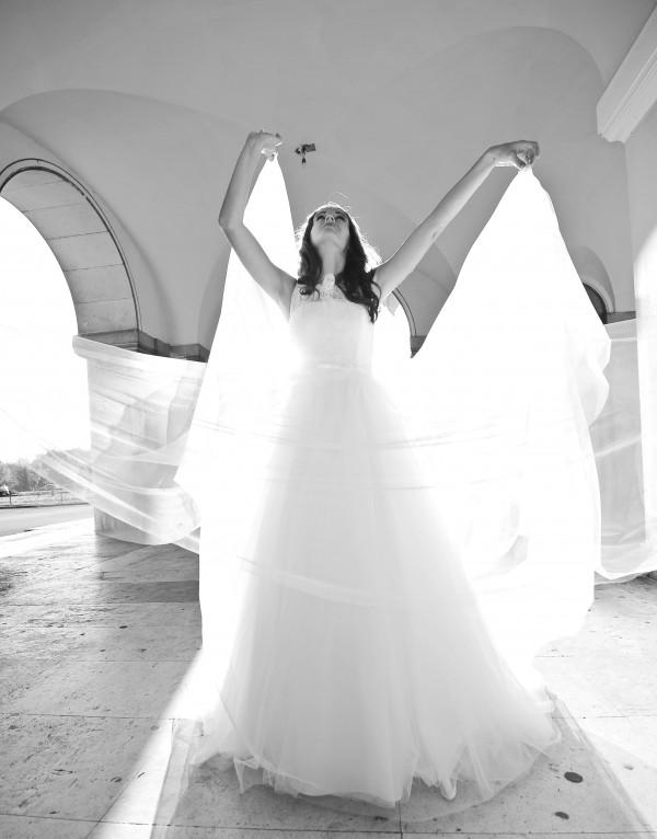 Laura si rochia de mireasa  5406 de la Fara Sposa