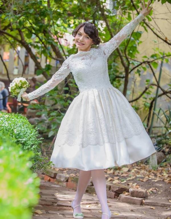 Ana Maria si rochia 11317 de la Ellis Bridals