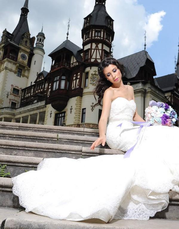 Gina si rochia 11330 de la Ellis Bridals