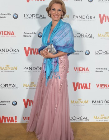 Irina Cordoneanu la petrecerea aniversara Viva