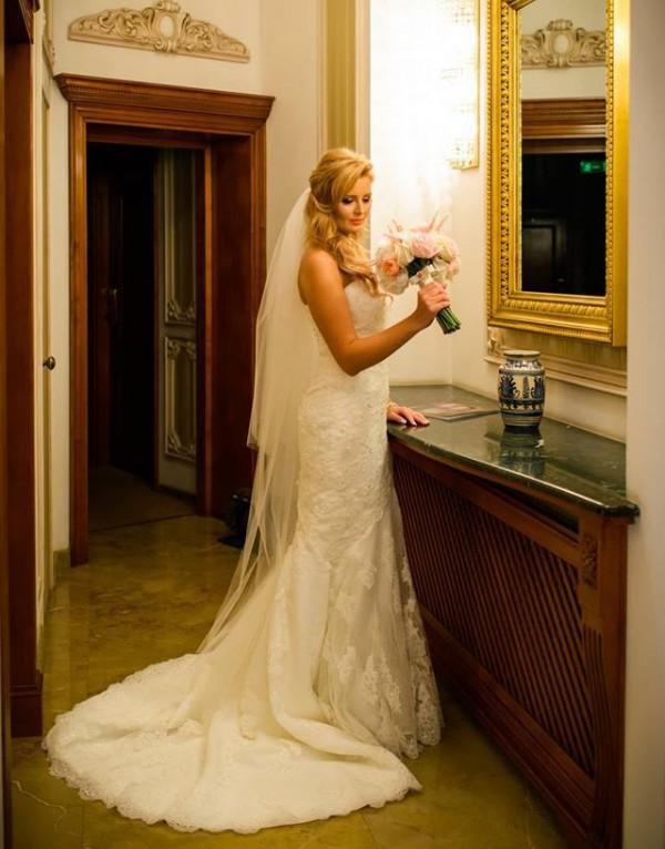 O mireasa fericita in rochia Bella Sposa