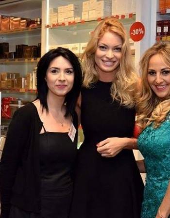 Florentina Opris prezentatoare la Kanal D intr-o superba rochie verde